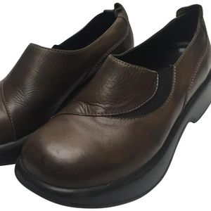 Dansko Brown Unisex Mules/Clogs Size 39